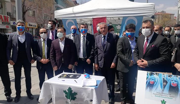 'Doğu Türkistanlı kardeşlerimizin yanındayız'