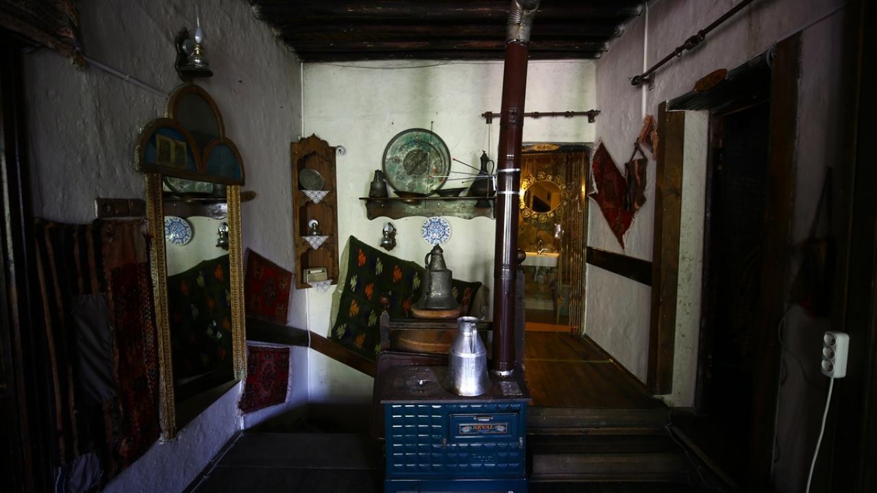 tarihi-mahalledeki-restoran-kulturle-damak-tadini-bir-araya-getiriyor.jpg