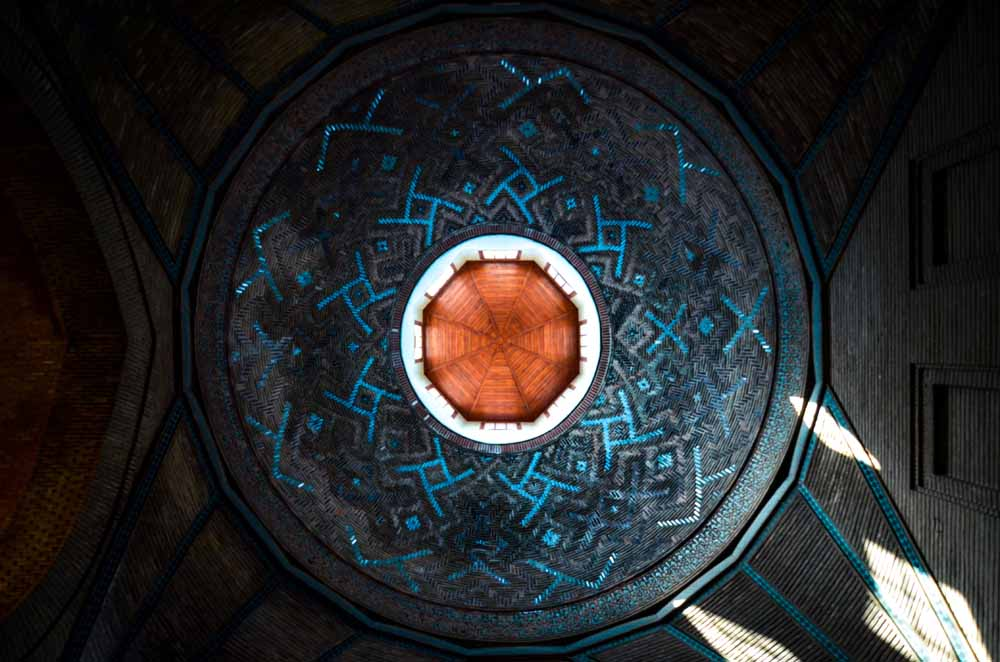 gorenleri-tarihte-yolculuga-cikaran-eser-ince-minareli-medrese-003.jpg