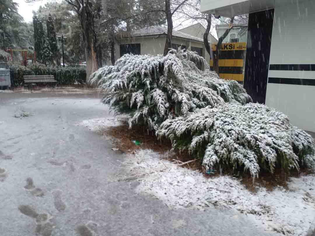 konyada-kar-yagisi-sevinci-001.jpg