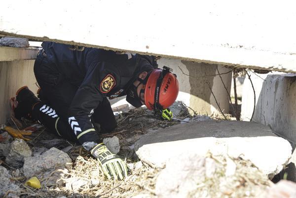 polis-arama-kurtarma-ekipleri-goreve-hazir.jpg