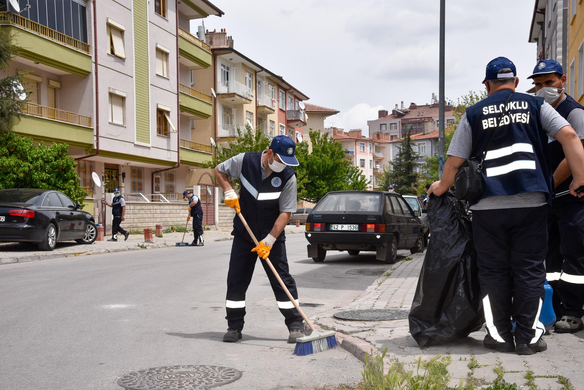 selcuklu-belediyesi-temizlik-ekipleri-724-mesaide.jpg