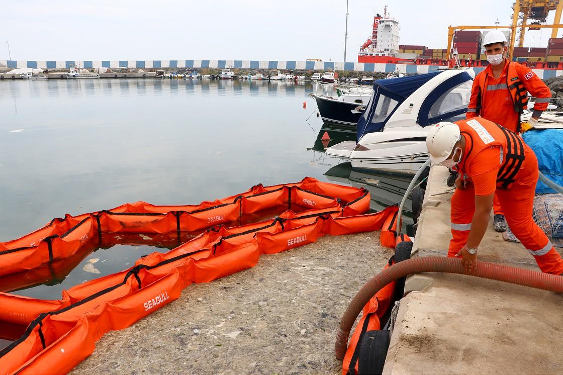 marmara-denizinde-musilaj-temizleme-seferberligi-basladi-002.jpg