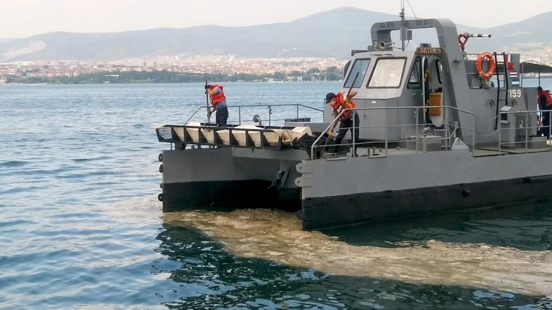 marmara-denizinde-musilaj-temizleme-seferberligi-basladi-004.jpg