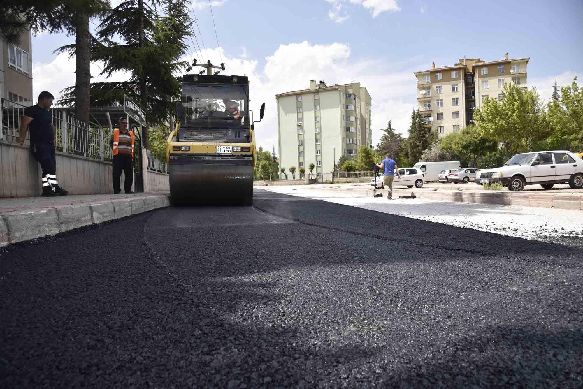 selcukluda-asfalt-calismalari-suruyor-001.jpg