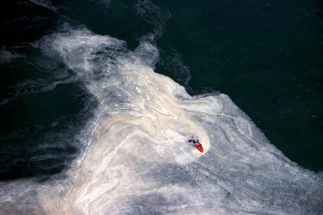 marmara-denizindeki-musilaj-ucakla-havadan-goruntulendi-002.jpg