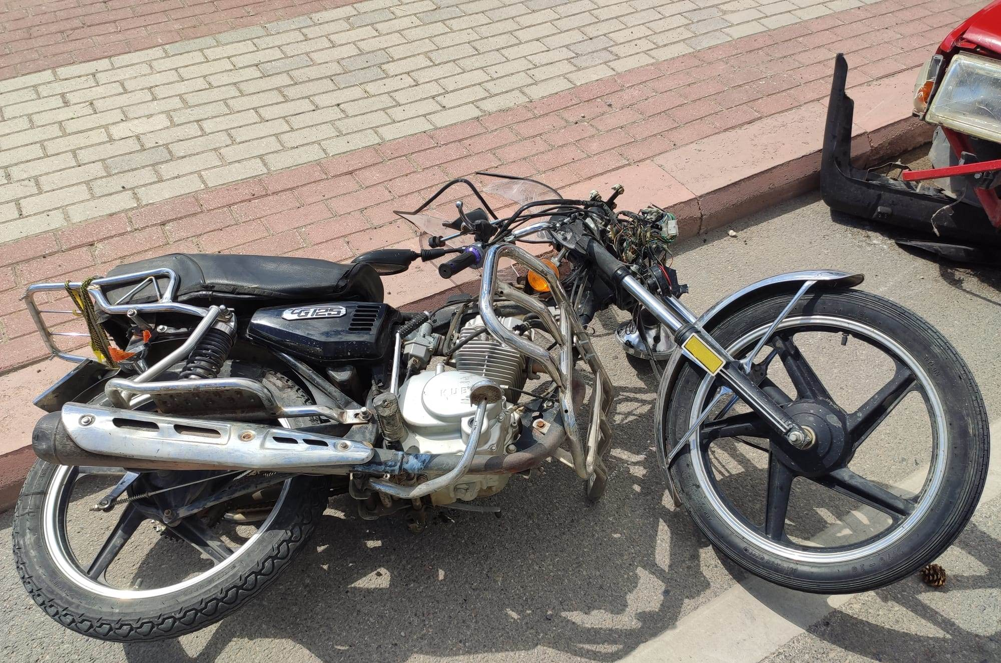 konyada-otomobil-motosiklete-carpti.jpg