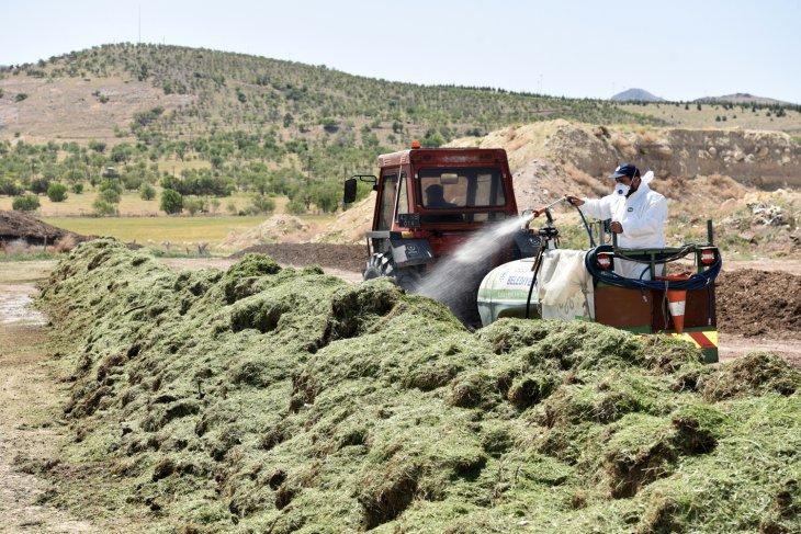 baskan-pekyatirmaci-kompost-uretimini-inceledi-001.jpg