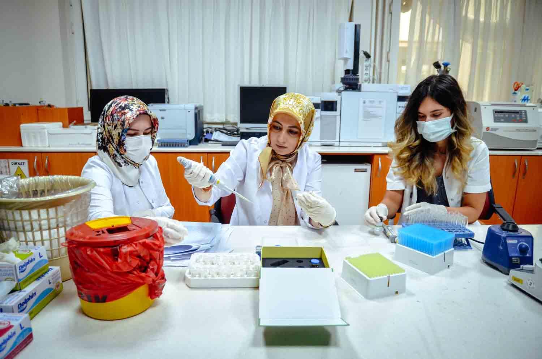 anne-sutundeki-enfeksiyon-baskilayicilar-mikro-rna-duzeyinde-incelendi-001.jpg