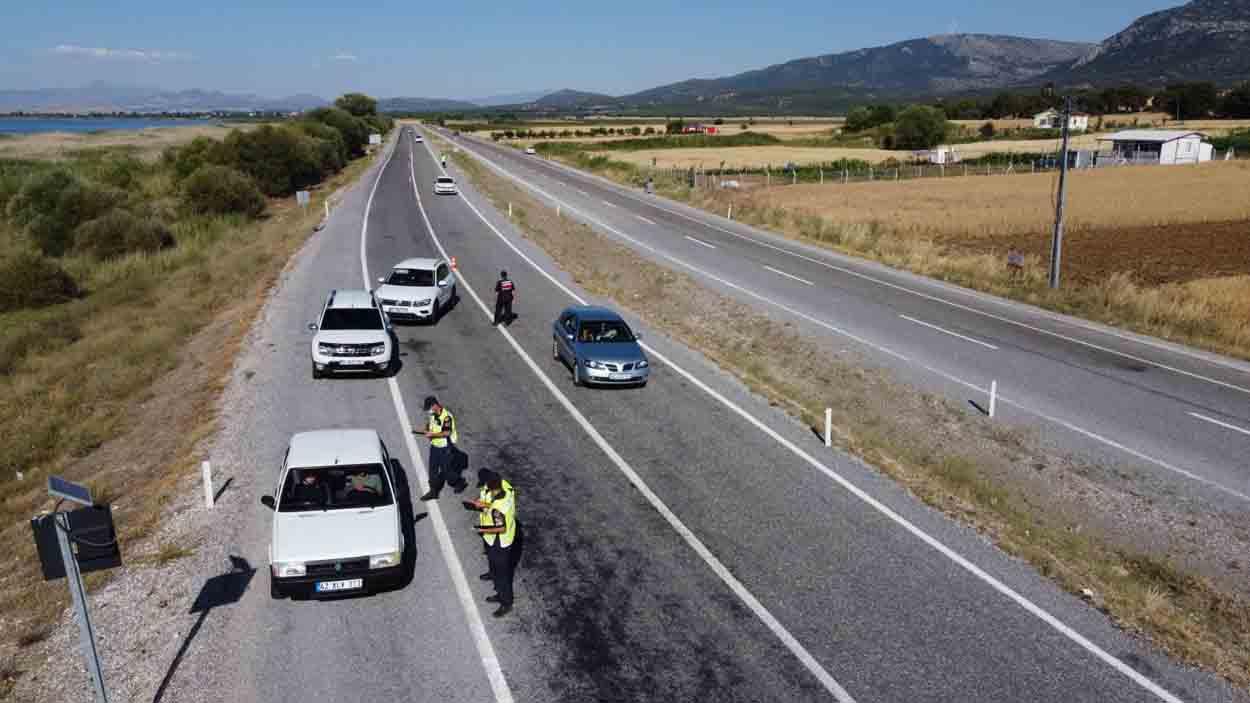 jandarmadan-bayram-oncesi-drone-ile-trafik-denetimi.jpg