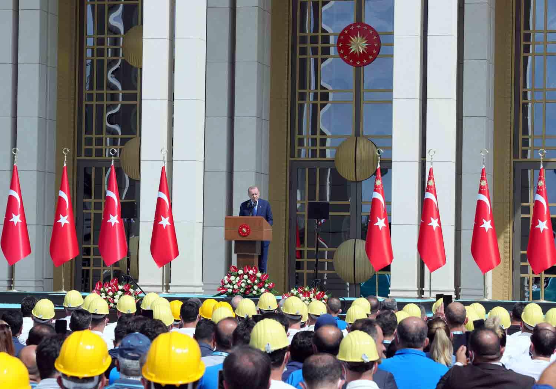 erdogan-buyuk-ve-guclu-turkiye-silueti-ufukta-gozukmustur.jpg