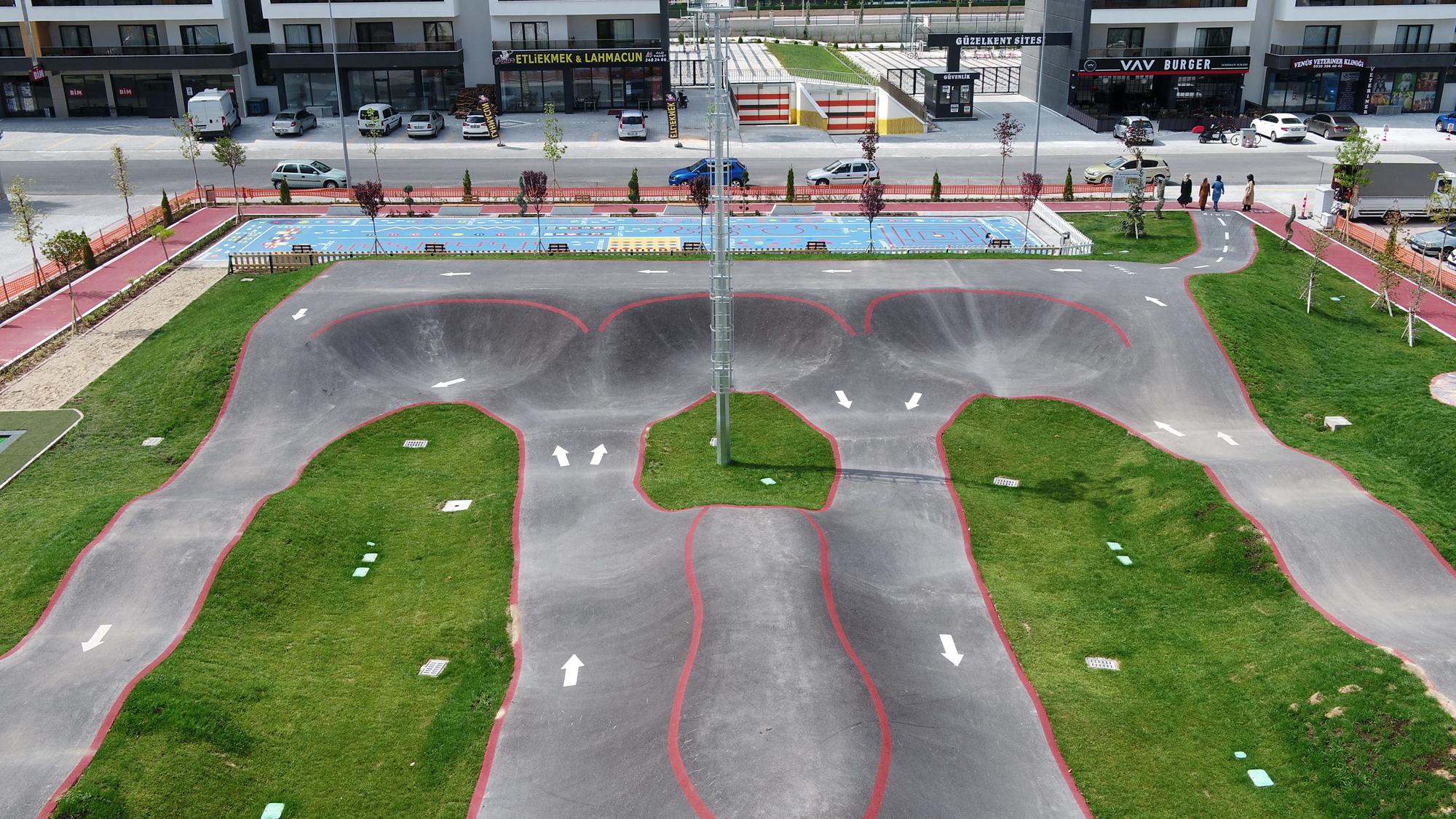 selcuk-mahallesi-kaykay-ve-bisiklet-parki-aciliyor-001.jpg