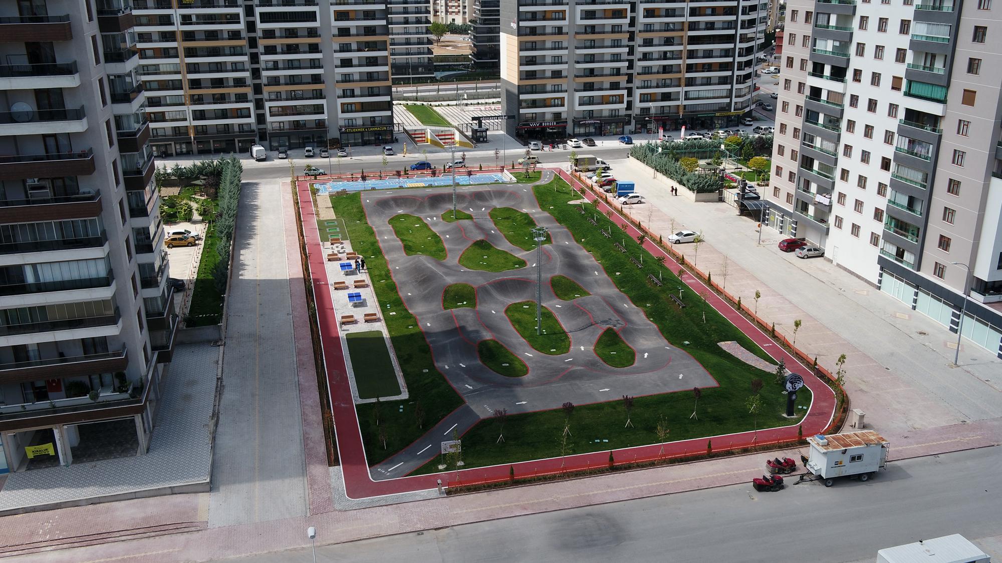 selcuk-mahallesi-kaykay-ve-bisiklet-parki-aciliyor.jpg