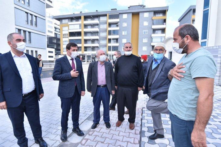 karatay-belediye-baskani-hasan-kilca-vatandasla-bulustu-002.jpg