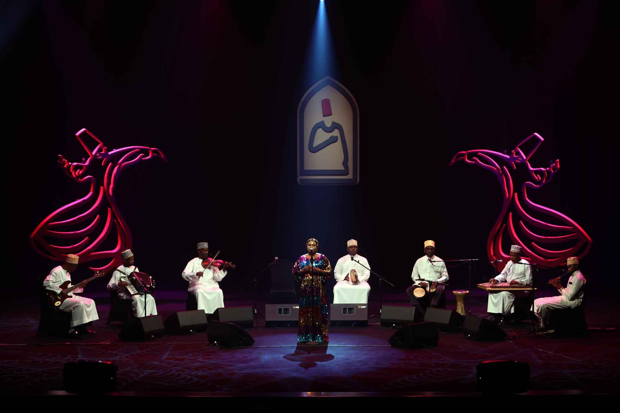 tanzanyadan-rajab-suleiman-konyada-konser-verdi-001.jpg